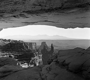B&W Mesa Arch